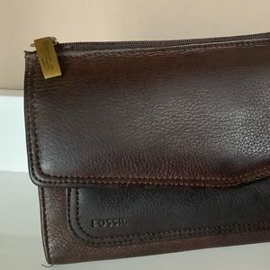 Fossil leather clutch/wallet